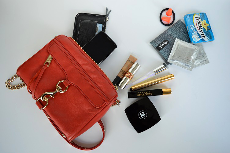 Whats in My Purse Clubbing - Full Shot