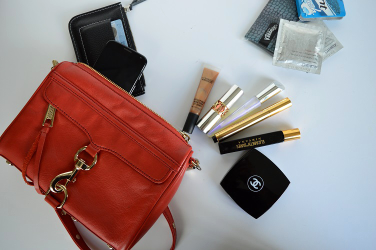 Whats in My Purse Clubbing - Full